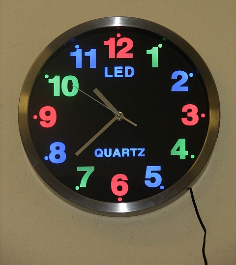 design led wanduhr analog wand uhr led farbige beleuchtung ebay. Black Bedroom Furniture Sets. Home Design Ideas